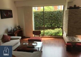 Bogotá,Cundinamarca,3 Bedrooms Bedrooms,4 BathroomsBathrooms,Casa,1073